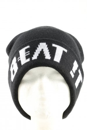 mister*lady Gorro negro-blanco letras bordadas look casual