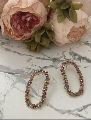 Mit bunten Steinchen verzierte Zara-Ohrringe