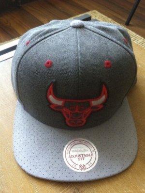 mitchell and ness chicago bulls cap