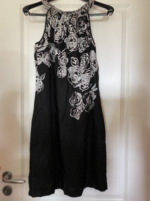 Mitellanges schwarzes Satin-Kleid mit Blumenmuster von S.Oliver in Größe 38 M