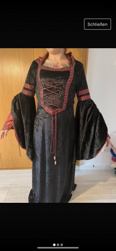 Robe à corsage noir-rouge foncé
