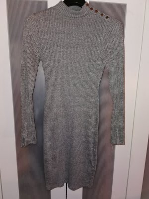 Mittellanges enges Kleid