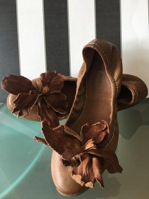 Miu Miu Składane baleriny jasnobrązowy Skóra