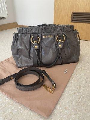 Miu Miu Vitello Lux Bauletto Bag mit Original-Staubbeutel, NP 950,-€