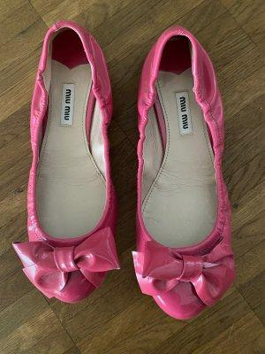 Miu Miu Ballerina di pelle verniciata rosa