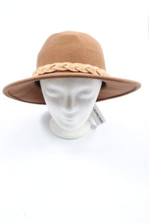 MiuMiu Chapeau en feutre brun élégant