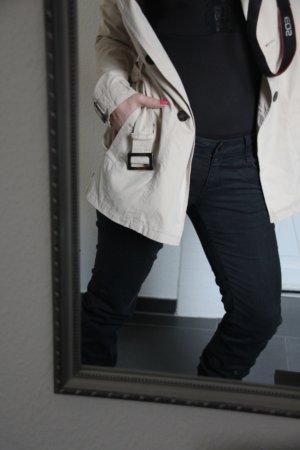 MNG Mango Straight-Leg-Jeans Blumenstickerei schwarz Gr. 36 Blogger