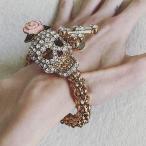 Mode Armband - Fashion Design mit Totenkopf