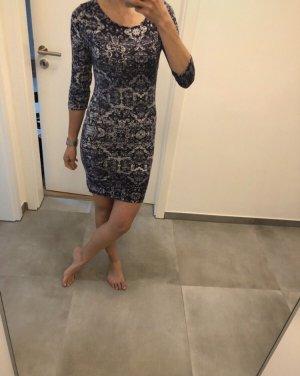Mode Kleid Blogger Fashion blau schwarz weiß Vila xs s 34 36