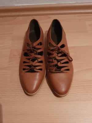 modern oxford shoes