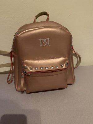 Modernen Rucksack mit Nieten