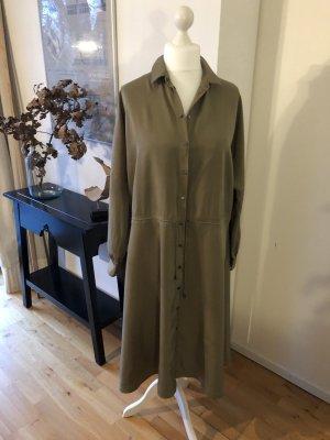 Modernes Hemdblusenkleid, Oversize Schnitt