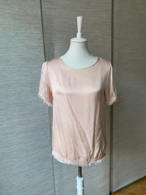 Modernes, schimmerndes Viskose-Tshirt mit fransigen Säumen