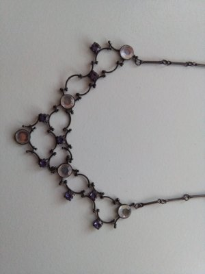 Necklace black-dark violet