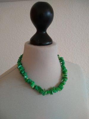 Modeschmuck - Muschelkette -grün - kurz