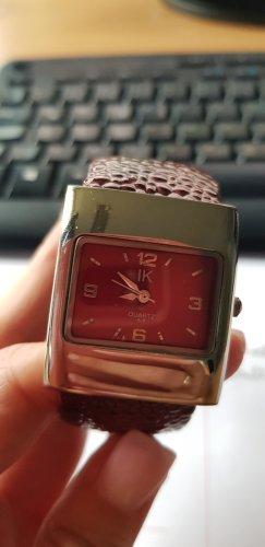 Modische Armbanduhr
