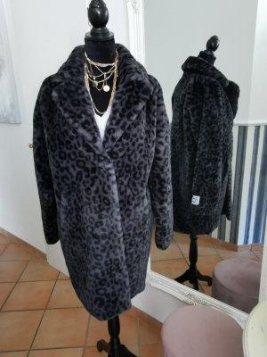 modischer Fake Fur Mantel Leomuster