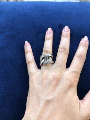 Modischer Ring von DKNY