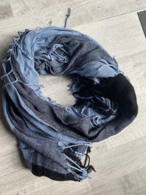 Modischer Schal blau, Fransen
