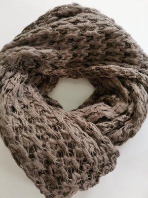 modisches Set Schal mit Mütze