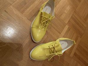 Mocasines amarillo