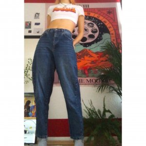 Mom-Jeans/ Baggy Jeans