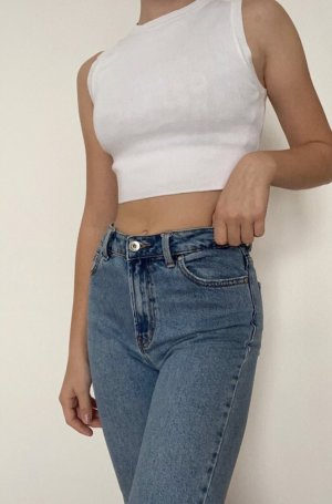 Mom Jeans Only