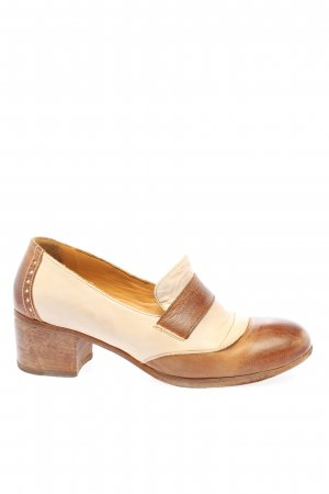 Moma Loafers brown-cream casual look