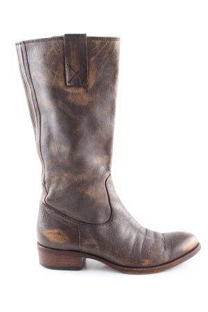 Moma Botas estilo vaquero marrón look casual