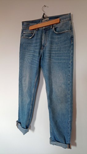 Momjeans Highwaisted mittelblau hellblau used look locker weites Bein Denim