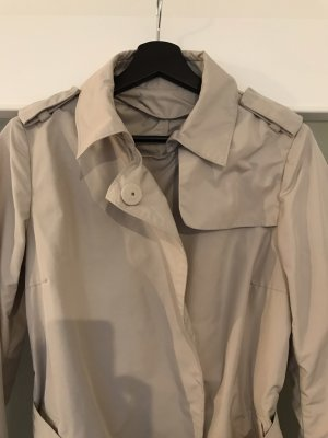Moncler-Trenchcoat