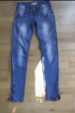 Monday Denim Jeans Grösse 27