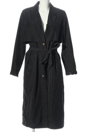 Monki Abrigo largo negro look casual