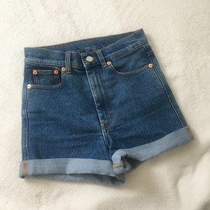 Monki Jeansshorts mit hoher Taille hot pants