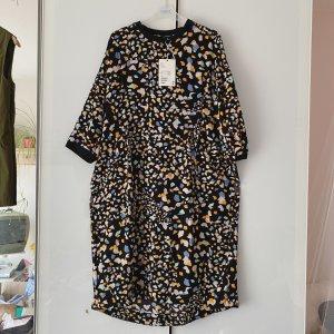 Monki - Kleid in XS mit Etikett