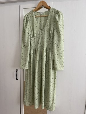 monki long sleeve midi dress with floral print in green
