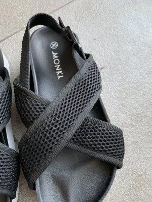 Monki Sandale schwarz