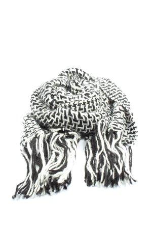 monnari Szydełkowany szalik czarny-biały Na całej powierzchni W stylu casual