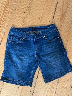 Montego Shorts