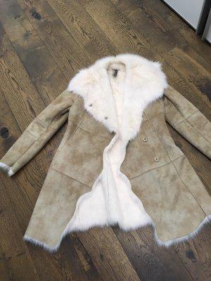 Montgomery Manteau en fausse fourrure blanc cassé-chameau