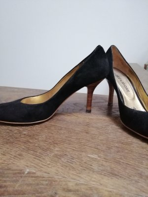 More & More Pointed Toe Pumps black