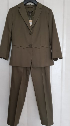 More & More Trouser Suit olive green