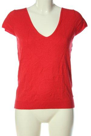 Morgan Camisa tejida rojo-negro look casual