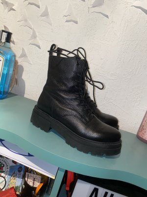 Mrs & HUGS Combat Boots black leather