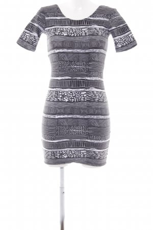 MTWTFSSWEEKDAY Stretchkleid schwarz-weiß Mustermix Casual-Look