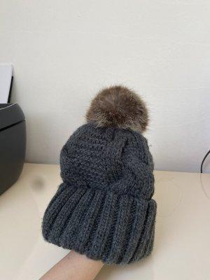 H&M Chapeau en tricot gris foncé-marron clair