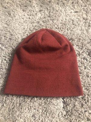 Cappello in tessuto rosso neon