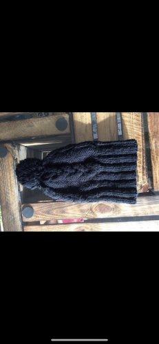Szydełkowana czapka czarny