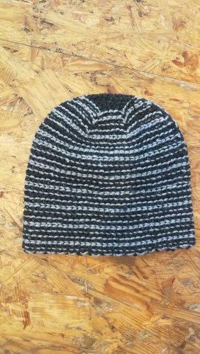 Knitted Hat black-dark grey