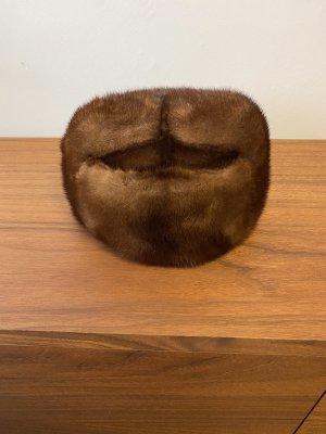Futrzana czapka ciemnobrązowy-brązowy